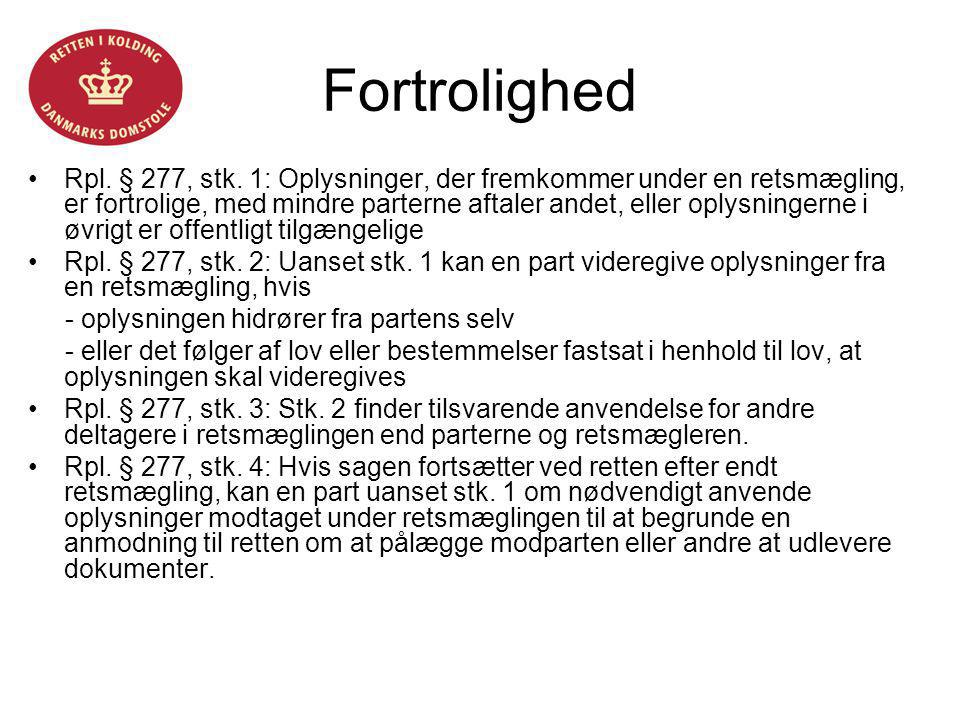 Helle Fløystrup Fortrolighed.