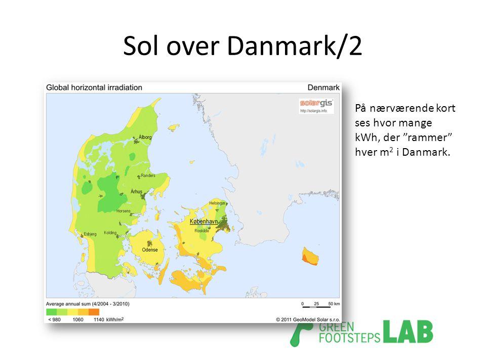Sol over Danmark/2 På nærværende kort ses hvor mange kWh, der rammer hver m2 i Danmark.