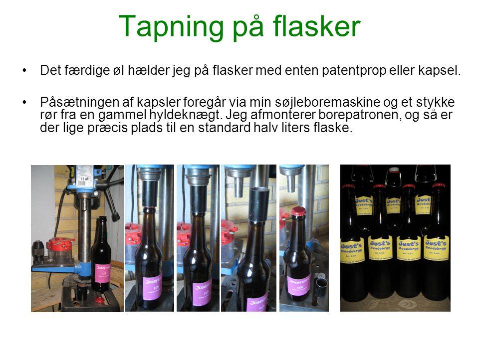 Tapning på flasker Det færdige øl hælder jeg på flasker med enten patentprop eller kapsel.