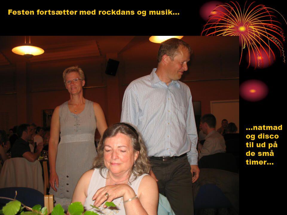 Festen fortsætter med rockdans og musik…