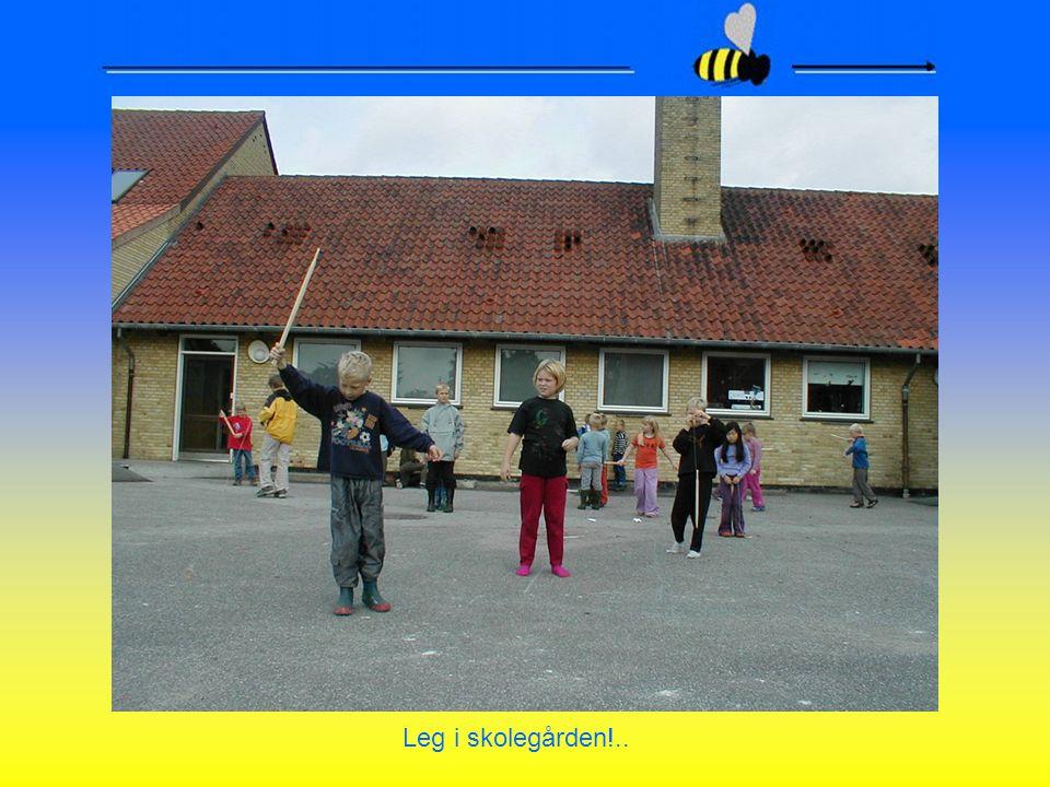 Leg i skolegården!..
