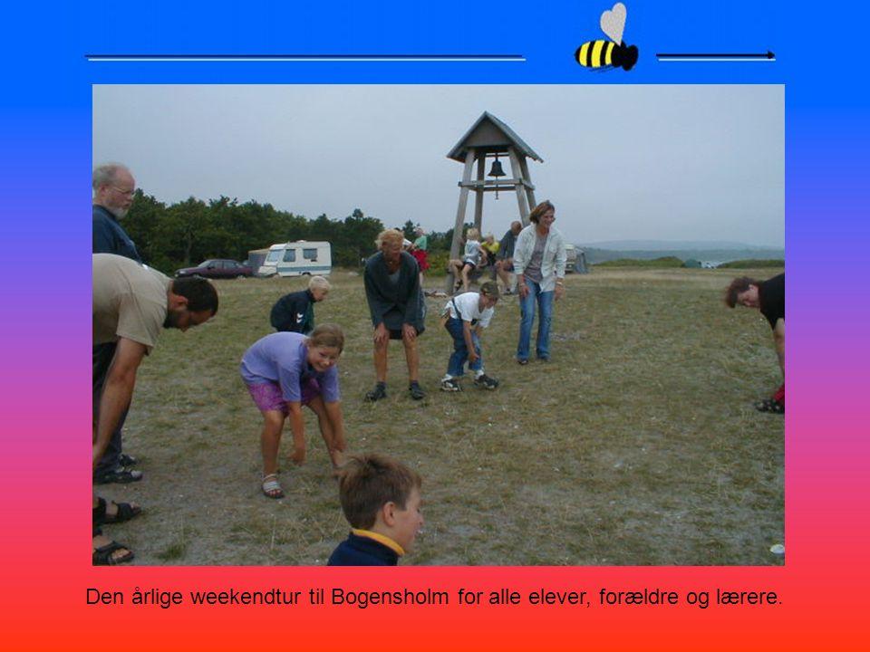 Den årlige weekendtur til Bogensholm for alle elever, forældre og lærere.