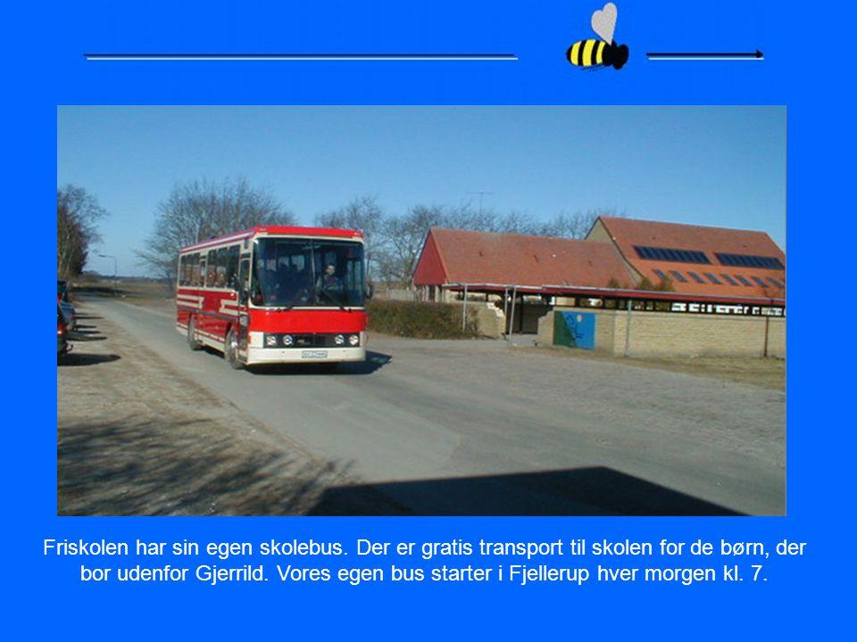 Friskolen har sin egen skolebus