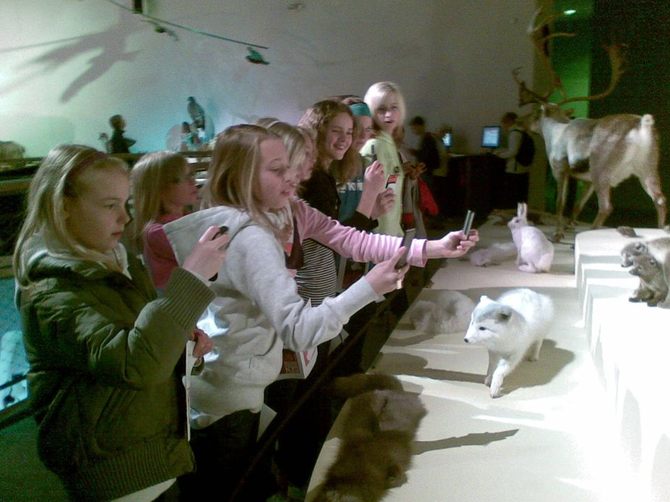 I forhold til mobiltelefoner, så er de jo alle vegne, også på museums, som I ved