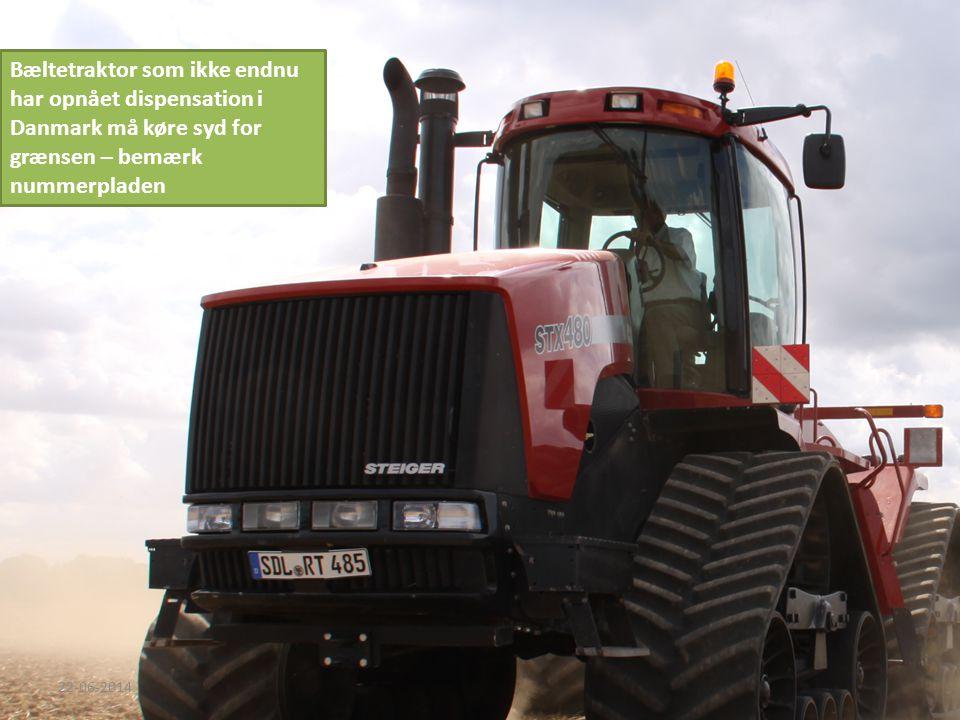 Bæltetraktor som ikke endnu har opnået dispensation i Danmark må køre syd for grænsen – bemærk nummerpladen