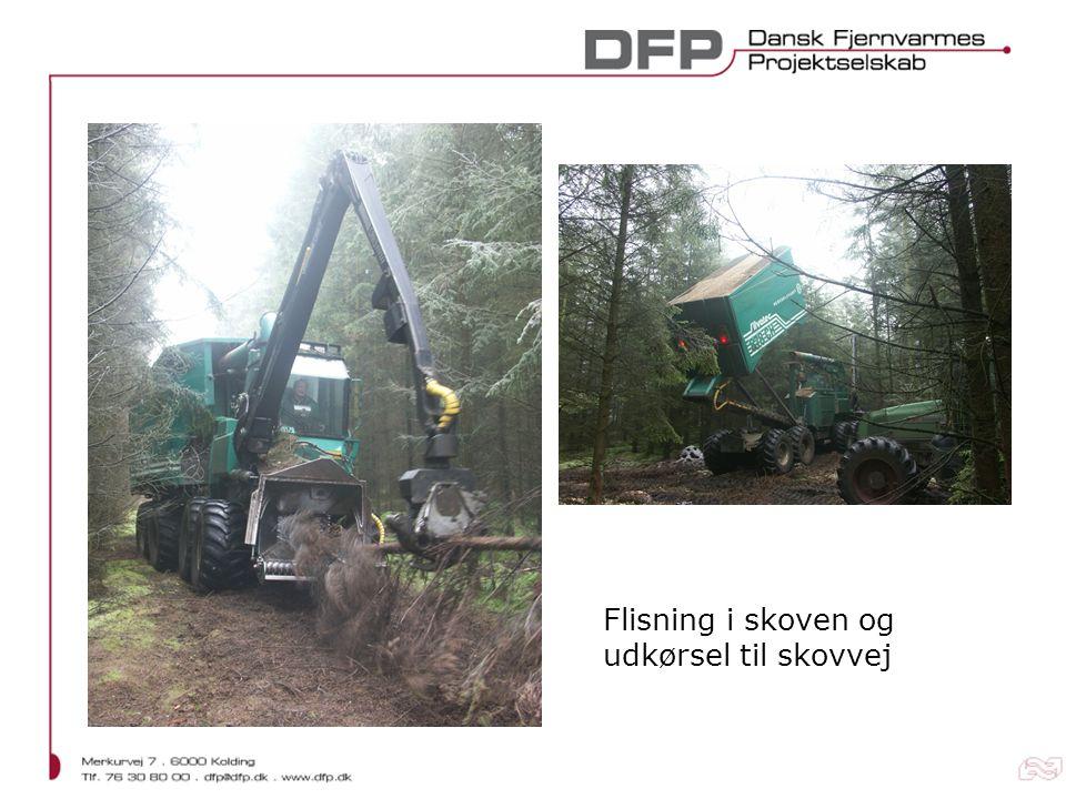 Flisning i skoven og udkørsel til skovvej