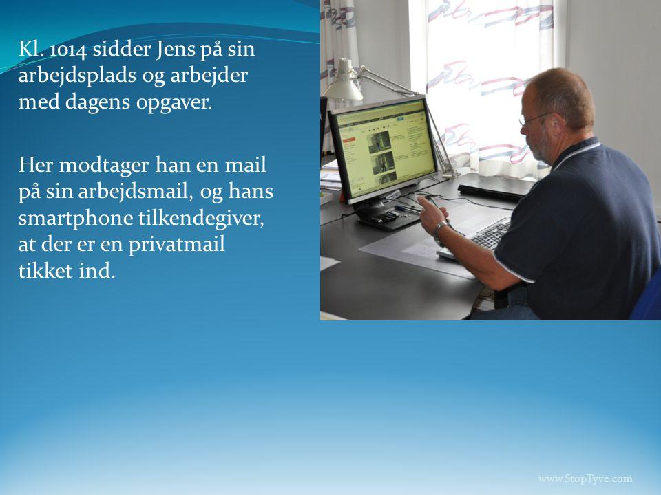 Kl. 1014 sidder Jens på sin arbejdsplads og arbejder med dagens opgaver.