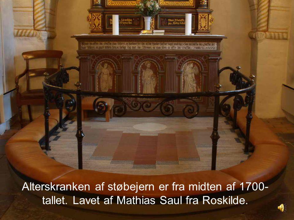 Alterskranken af støbejern er fra midten af 1700-tallet
