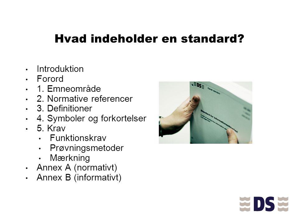 Hvad indeholder en standard