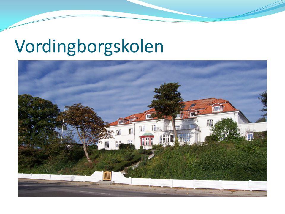 Vordingborgskolen Forstander på 6. år….inden da folkeskolelærer på Vintersbølle skole med elever op til 7.klasse. TR-systemet osv.