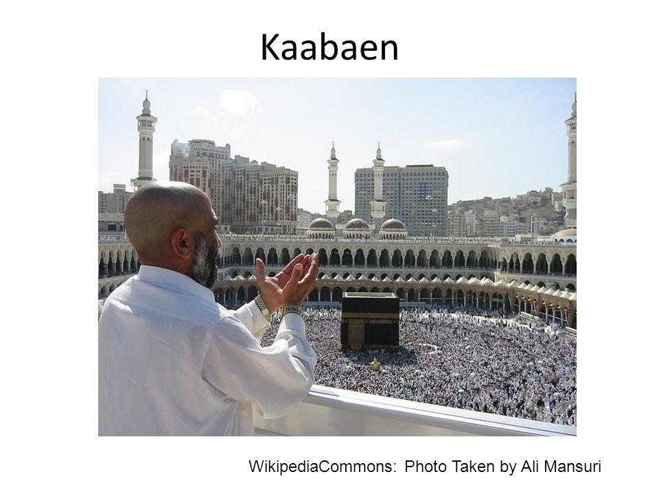 Kaabaen WikipediaCommons: Photo Taken by Ali Mansuri