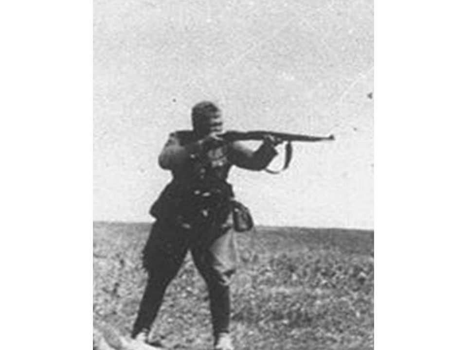 Handlingsanalyse 1. Billedet forestiller en tysk soldat fra Anden Verdenskrig.