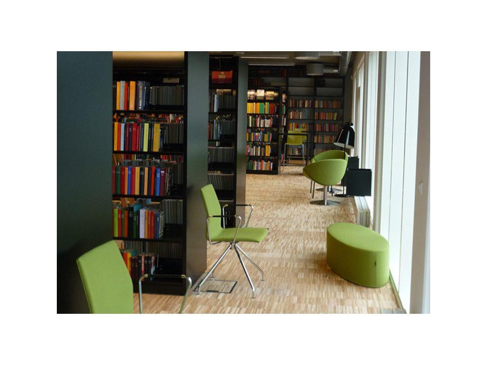 Bibliotekets areal er ikke så stort, og det var svært at få plads til alle hyldemeter.