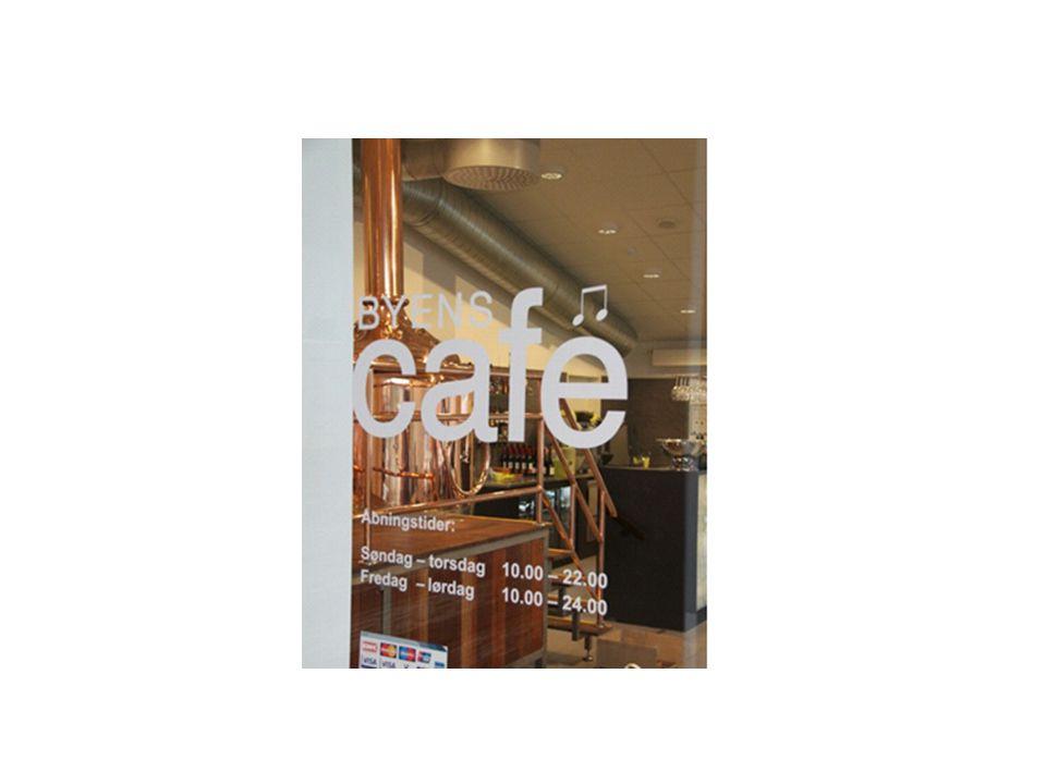 Byens Café er et omdrejningspunkt i huset