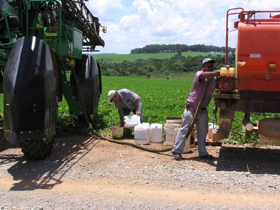 En typisk sojaafgrøde sprøjtes 7 gange på en vækstsæson.