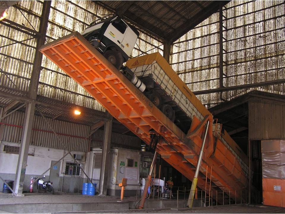 Caramuru Santos er sydamerikas største havn. Caramuru har 3 af disse påslag som kan tømme et 40 ton B-train på 5 minutter.